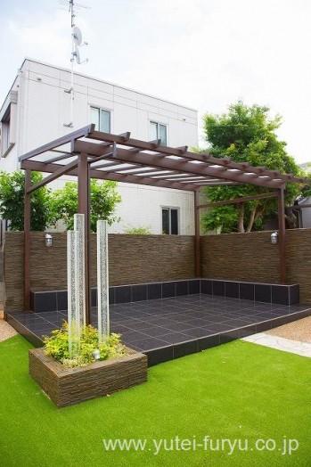 メンテナンスフリーの庭 テラス