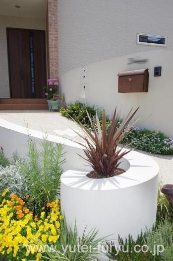 曲線の花壇