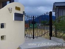 トラディシオン門扉と門袖