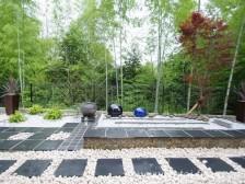 借景を生かした和風ガーデン